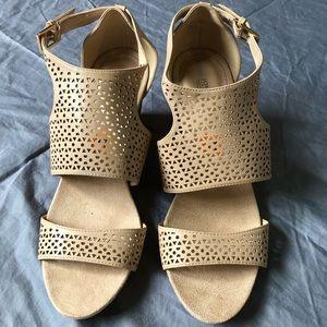 Jones New York Beige Filigree Buckle wedge sandals